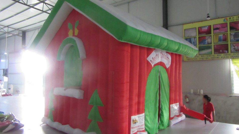 Casetta Di Natale Gonfiabile : Noleggio gonfiabili vendita gonfiabili: casetta di babbo natale