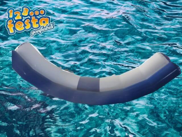 dondolo gioco galleggiante gonfiabile mare