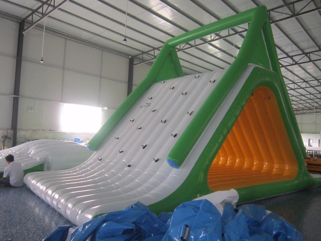 scivolo gonfiabile galleggiante per mare piscina