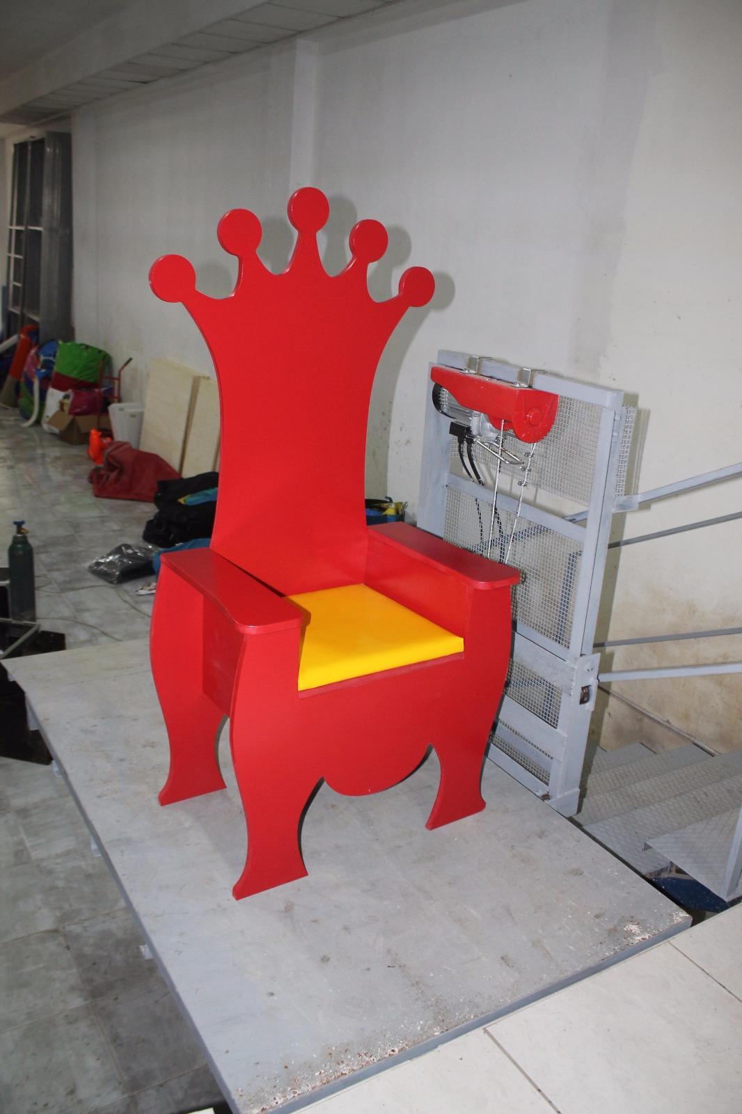 trono 3