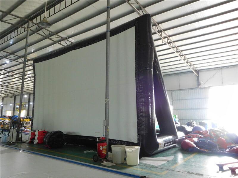 Cinema gonfiabile gigante