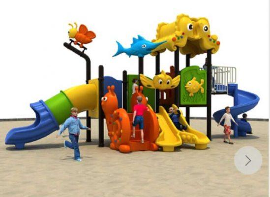 playground esterno marchiato