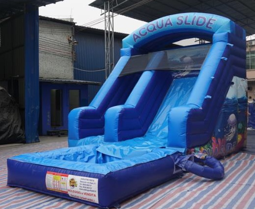 gioco gonfibile acquatico noleggio