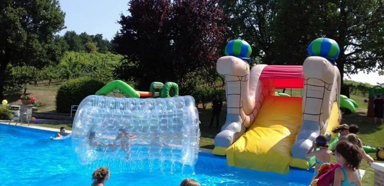 noleggio giochi acquatici per compleanno