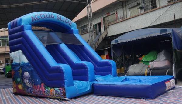 vendita giochi gonfiabili acquatici