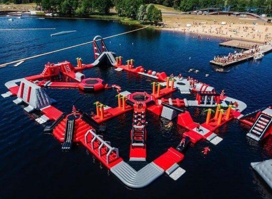 percorso acquatico gonfiabile galleggiante